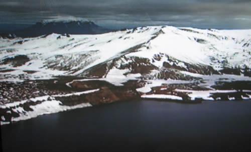 Öskjuvatn og Herðubreið í baksýn